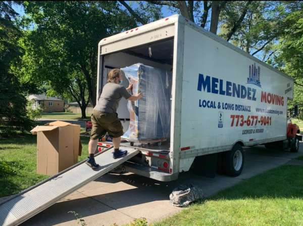 Melendez Moving is helping a family in Chicago to move with our full service moving services.